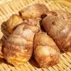 里芋の皮むき簡単方法!レンジでかゆいのを防いで簡単皮むき