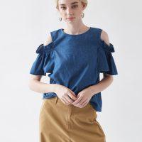 ソフトデニムオープンショルダーブラウス。大人女子のプチプラキレイめファッションtitivate(ティティベイト)2017春夏流行のトレンドアイテム