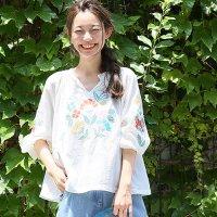 クロスステッチ刺繍スキッパーブラウス。安可愛いセレブカジュアルファッションcoca(コカ)2017春夏流行のトレンドアイテム